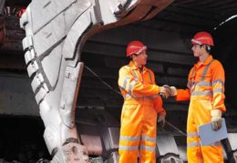 Fenix shakes hands with Geraldton port on iron ore export