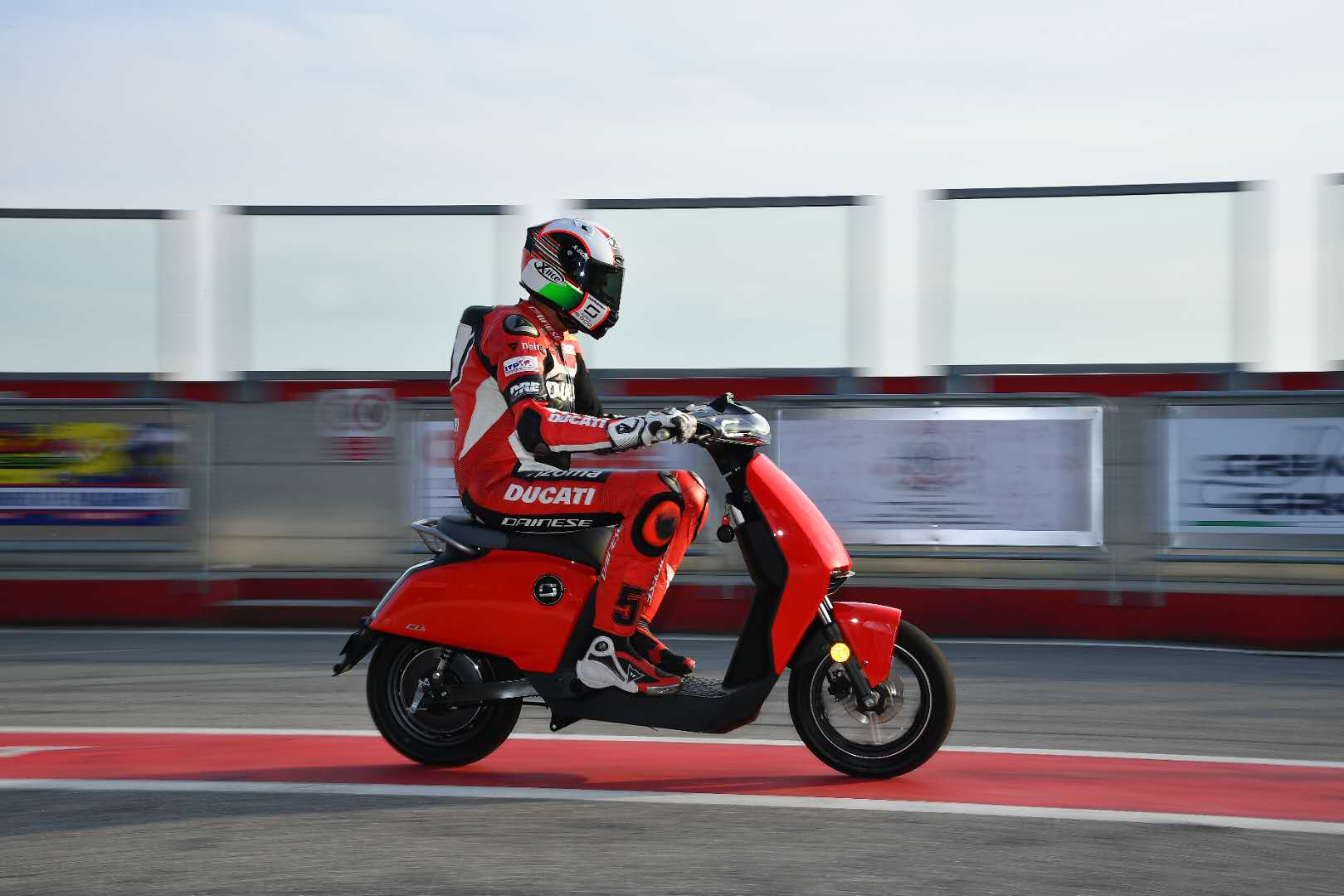 Vmoto shares climb 77 percent following Ducati deal