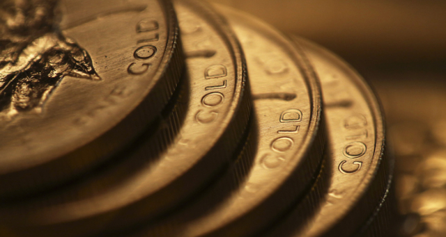 Gold goes down, but the scene set for ongoing strength