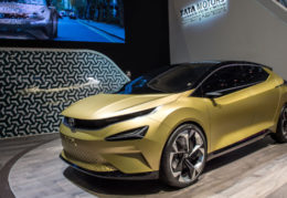 India's biggest car player set to pile into lithium-ion revolution